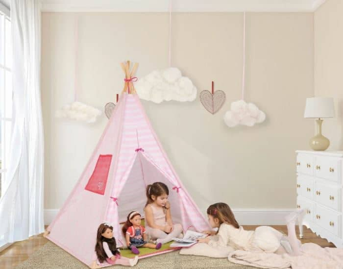 Kids reading tent decor