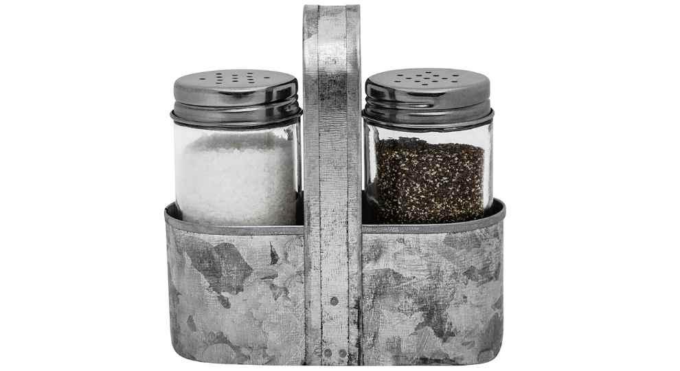 Farmhouse salt and pepper set