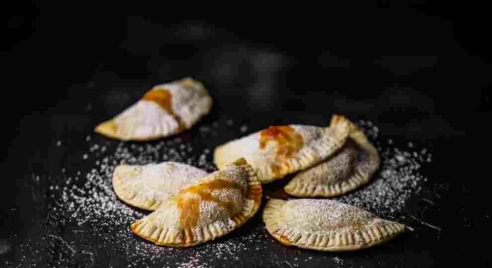 Easy Baked Empanadas Stuff With Guava Jam